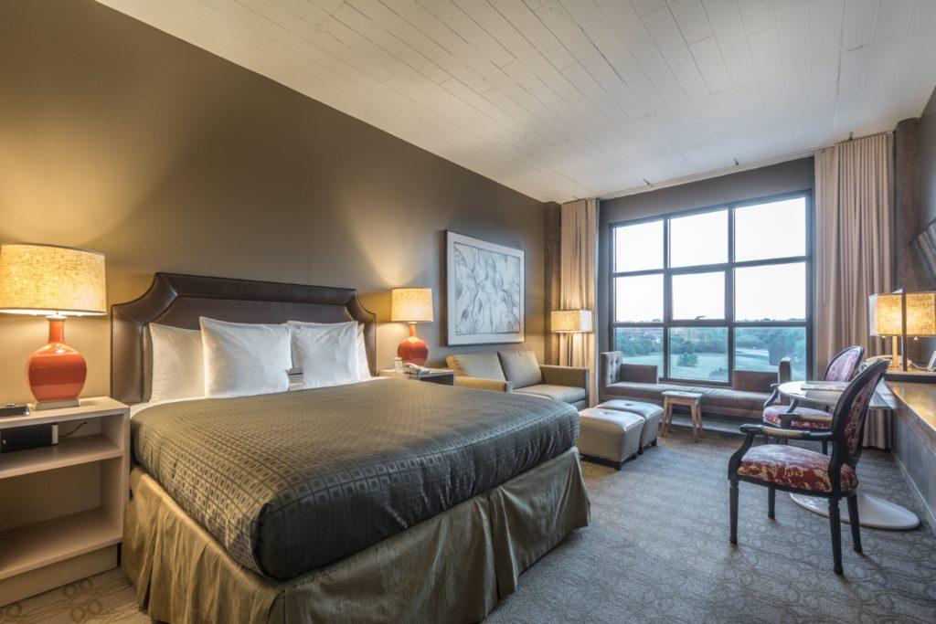 Loft King Spa Room