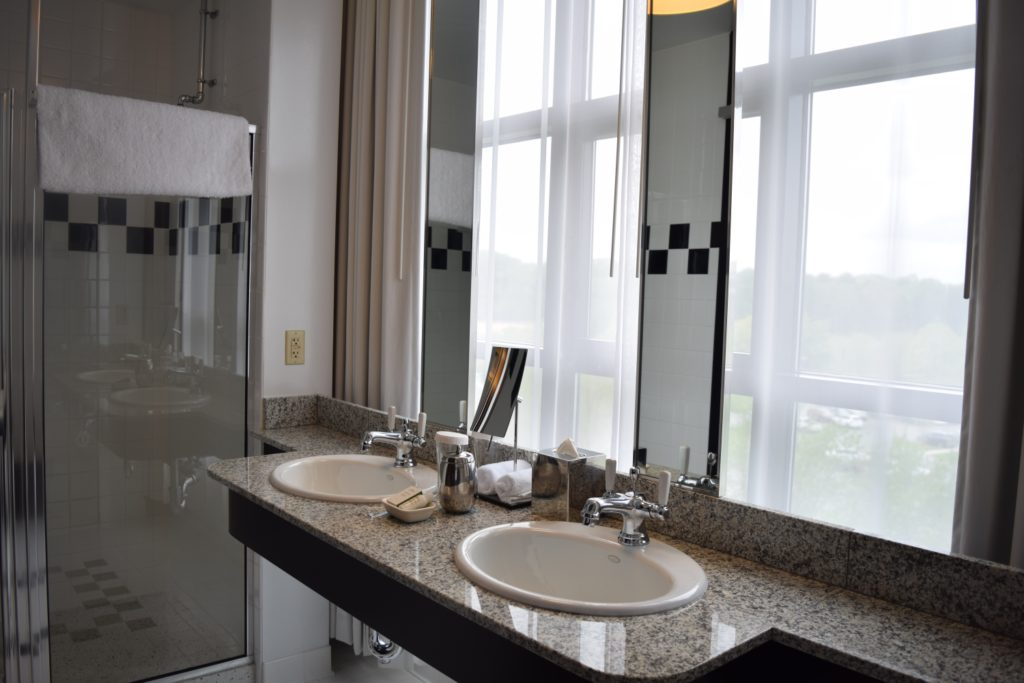 Loft King Corner Bathroom